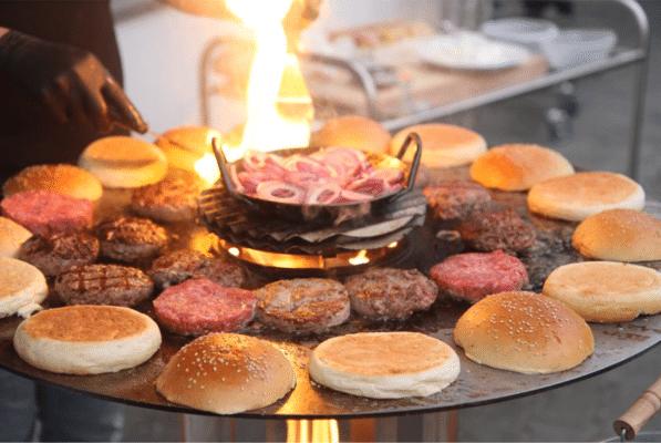 Häussler Pelletgrill mit Hamburger