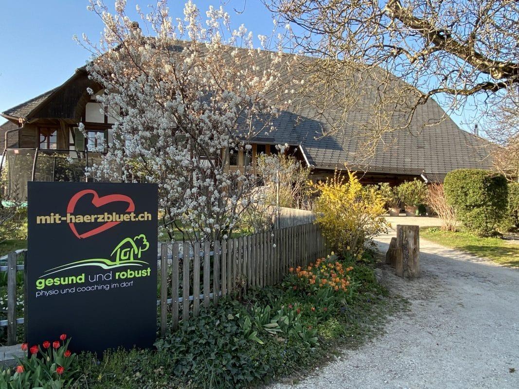 Bauernhaus und Standort von Haerzbluet.ch